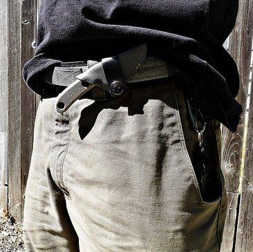 Fixed blade knife on belt